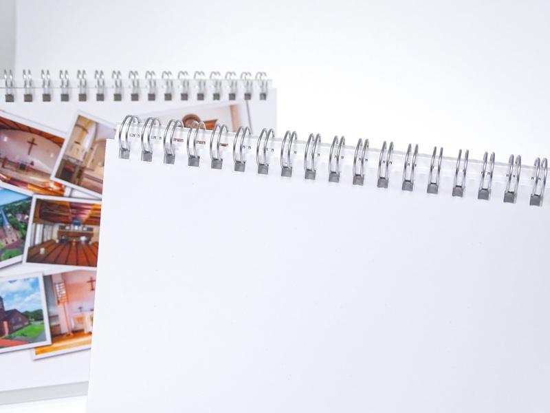 Stehkalender mit Wire-O Bindung